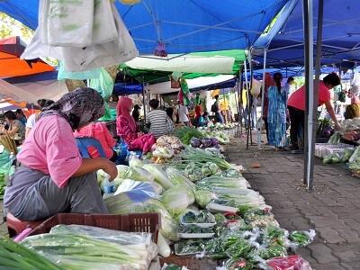 ボルネオ島コタキナバル郊外のマーケット【トゥアランマーケット】